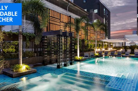£52 -- Deluxe Bangkok stay w/breakfast for 2, up to 39% off