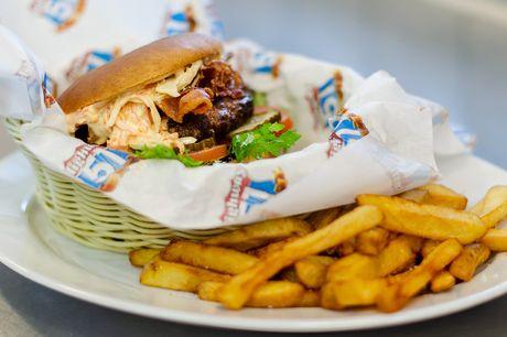 Lad tænderne løbe i vand, når Highway 51 Diner i Aarhus frister med burger og pommes frites i bedste amerikanerstil