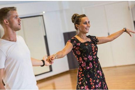 12 danselektioner for begyndere. Det er aldrig for sent at lære noget nyt!
