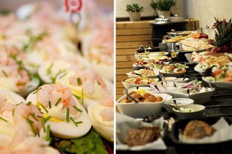 Lad jer charmere af det idylliske Syddanmark og forkæl smagsløgene med en fantastisk fiskebuffet hos Hotel 6400 i Sønderborg