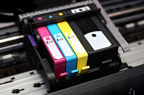 Blækpatroner til printeren .  Vælg mellem flere modeller Der er ingen risiko for at løbe tør for blæk til printeren med denne deal. Vælg den model, der passer til din printer. Fås til både Epson, HP, Brother og Canon printere.