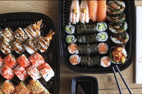 Så er middagen klaret - Luksus sushimenu - Prøv det bedste inden for det japanske køkken. Takeaway Luksusmenu med 56 stk. sushi og 6 stk. miniforårsruller. Værdi kr. 519,-