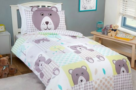 £12.99 (from Five Minutes More) for a kids' patchwork single duvet cover set