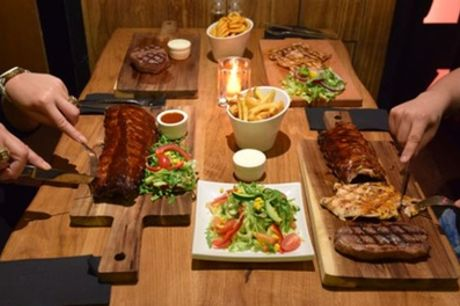 """""""Tafelgrill"""" met 4 soorten vlees incl. salade, sauzen en friet bij The Big Apple in hartje Amsterdam"""
