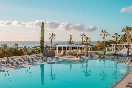 Italia Cefalù - Hotel Costa Verde 4* a partire da € 147,00. 4* per divertimento e relax con tutta la famiglia