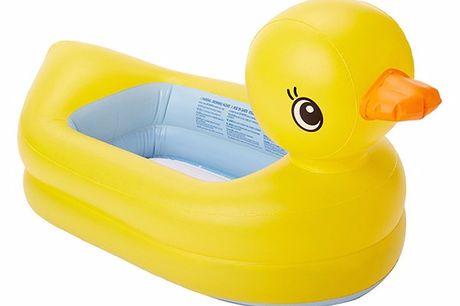 Bade-Baby-Ente. Die beste Art, Kleinkinder mit Spaß zu baden. Aufblasbare Ente, im Bad und Pool benutzbar. Leicht und einfach zu transportieren.