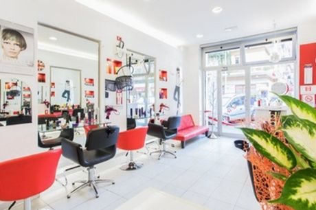 Shampoo, maschera, taglio, piega e tinta al salone Keep Calm & Capelli (sconto fino a 26%)
