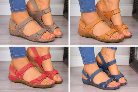 £11 for a pair of open toe flat sandals in UK sizes 4-6 from Who Got the Plan!