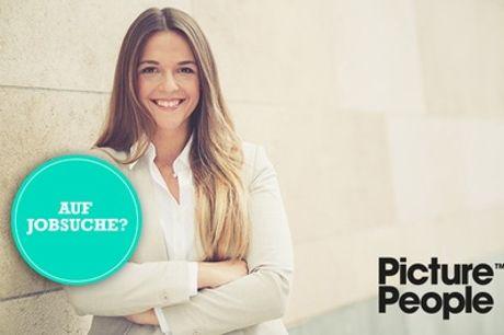 Professionelle Bewerbungsfotos als Ausdruck und Datei inkl. Make-up bei PicturePeople (bis zu 64% sparen*)