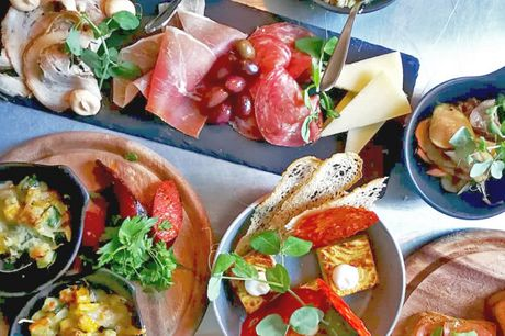 Kun i dag! COMBO-Street Wine: Chik vinbar med sydlandske noter på tallerkenen og i glasset.