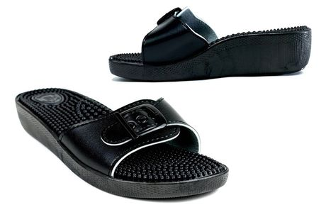 £14 for a pair of black sandals in UK sizes 3-9 from Shoe Fest