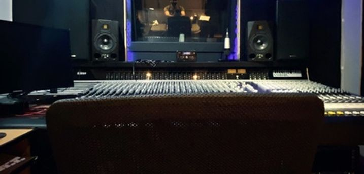60-Minute Studio Recording Session with a CD at Electric Bear Studios