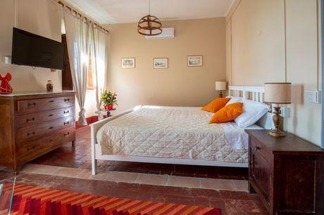 Italia Camaiore - Agriturismo Villa Cavallini - Adults Only a partire da € 38,00. Villa storica tra le colline e il mare con noleggio di biciclette