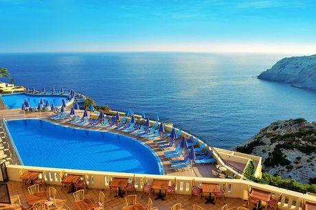 Grecia Heraklion - CHC Athina Palace Resort & Spa 5* a partire da € 143,00. Relax in 5* All Inclusive con vista mozzafiato sull'Egeo