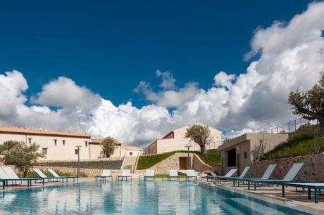 Italia Sicilia - Borgo d'Orlando Country Boutique Hotel a partire da € 70,00. Antico borgo con piscina a pochi chilometri da Capo d'Orlando