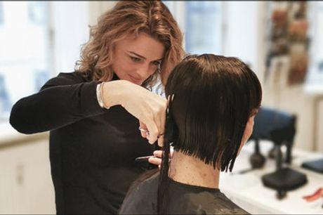 Ny frisørdeal - Lækker dame- og herreklip - Bliv forkælet helt ud i hårspidserne hos Mackinder Hair. Vælg Dame- eller herreklip inkl. vask og føn, værdi op til kr. 800,-
