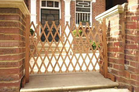 £14 instead of £29.99 for an expanding wooden fence from Personal Choice - save 53%