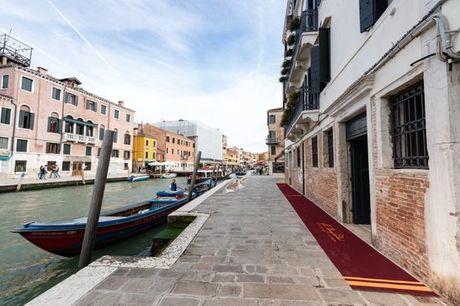 Italia Venezia - I Palazzi - Hotel Cà Bonfadini 5* a partire da € 94,00. Elegante 5* ospitato in un edificio del XVI secolo