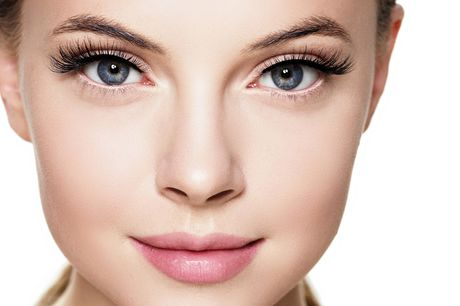 £79 instead of £275 for a semi-permanent make up treatment at Avant Aesthetics Clinic, Glasgow including four choices – save 71%