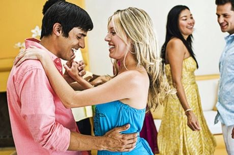 Four or Six Weeks of Latin and Ballroom Dance Classes at Deesdancing