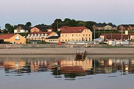 HVALPSUND FÆRGEKRO ved Limfjorden - 1 el. 2 nætter med middag. Gyldig til 30. november 2020.