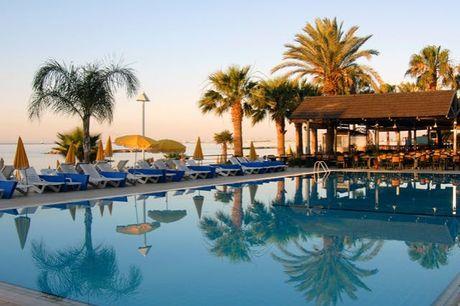 Mediterraner Sommer unter Zyperns Palmen - Kostenfrei stornierbar, Palm Beach Hotel & Bungalows, Larnaka, Zypern - save 25%