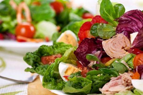 Verschiedene Salate mit Getränk für 1 oder 2 Personen im Café Klein (bis zu 62% sparen*)