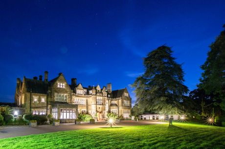 A Betchworth, Surrey stay at Hartsfield Manor for two people with breakfast, one bottle of wine, £10 dinner credit and late checkout. From £69 for one night, or from £119 for two nights - save up to 47%