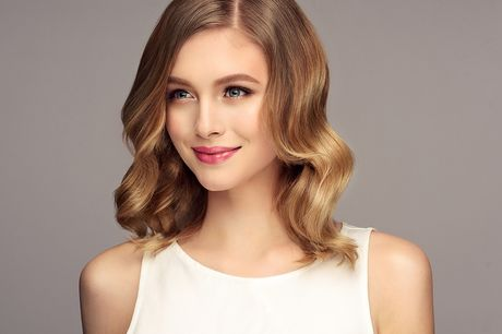 £29 for a haircut and blow-dry with the choice of half head of highlights or full head of colour at Styles Head UK – choose from two locations and save 63%