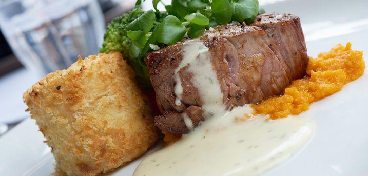 Lad Restaurant Provence står for maden - her kan du nemlig få en 2-retters menu lige til at tage med hjem