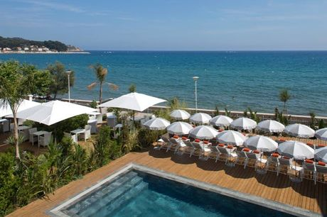 Grand Hôtel des Sablettes-Plage, Curio Collection by Hilton 4* - 100% remboursable, La Seyne-sur-Mer, à 15 min de Toulon - save 61%