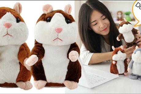 Dit barn vil elske denne nuttede legetøjshamster - Ih hvor er den sød - 1 stk. talende legetøjshamster, fås i flere farver. Værdi kr. 469,-