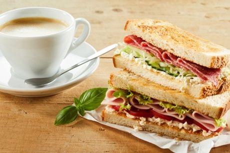 Tweegangen ontbijt of lunch incl. koffie naar keuze bij The Golden Stork in hartje Den Haag