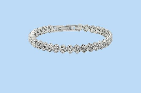 Armband met Swarovski Elements Stijlvol en elegant<br /> Vol met glimmende stenen<br /> Het perfecte geschenk