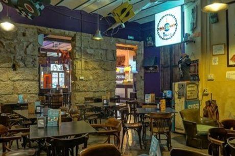 Degustación de pinchos para 2 o 4 personas con bebida en Moltabarra Bar de Tapas (hasta 45% de descuento)