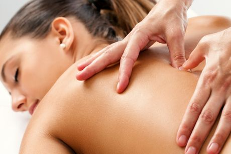 Valgfri massage. Vælg mellem hotstone, thai-, gravid- eller oliemassage