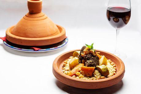 Spar 33% i aften: Få en bid af 1001 nats eventyr hos en varm og autentisk marokkansk restaurant.