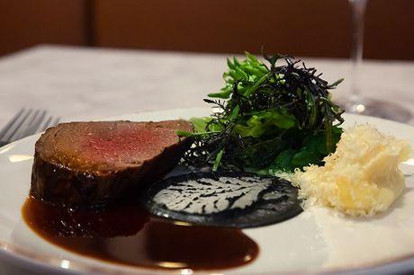 Spar 33% i aften: Køkkenchef med Michelin-erfaring serverer uprætentiøse, franske bistro herligheder