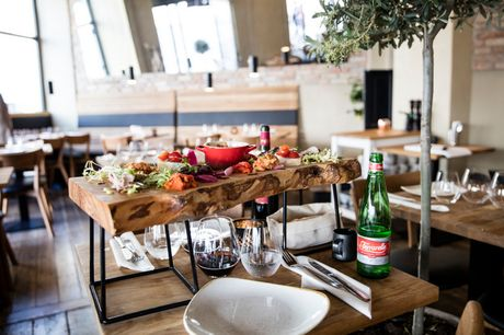 Spar 33% i aften: Autentisk napolitansk køkken i hjertet af København