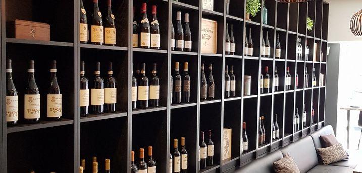 Spar 33% i aften: Dejlige druer i afslappet atmosfære på Din Vinbar.