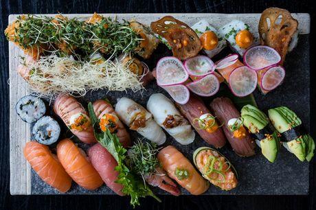 Spar 33% i aften: fusionssushi i gourmetklassen på Karma Sushi Trianglen.