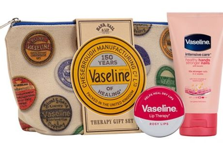 "1, 2, 3 o 4 sets Vaseline® ""150 years"""
