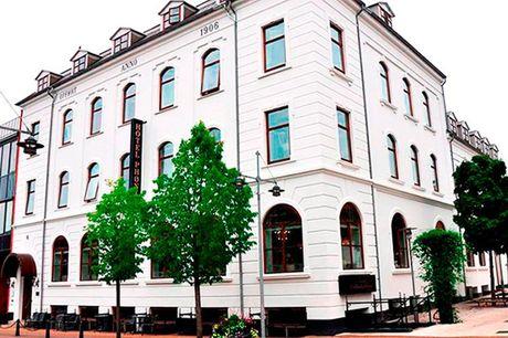 Hotelophold med halvpension - til 2 - 1 overnatning i dobbeltværelse og aftenkaffe - Velkomstdrink og 3-retters menu - Morgenbuffet