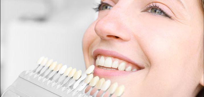Effektiv og nænsom tandblegning - Få hvidere tænder med en kosmetisk tandblegning hos Extend Your Beauty. Du får 3 x 15 min. behandling værdi kr. 799,-
