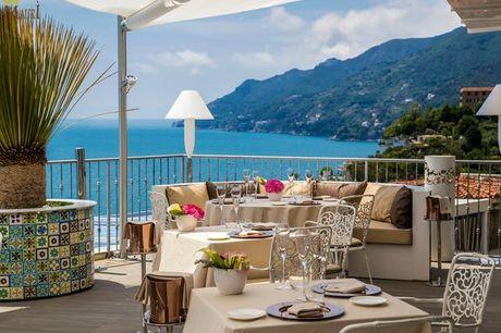 Lloyd's Baia Hotel - 100% rimborsabile, Vietri sul Mare, Campania - save 62%. undefined