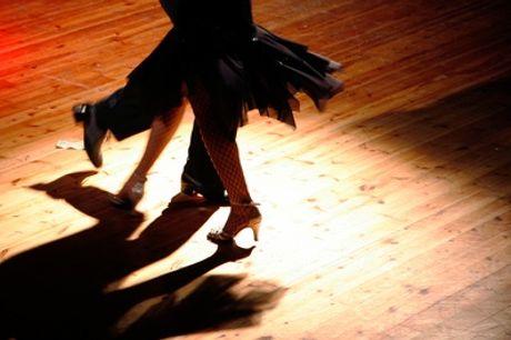 4 lezioni di tango tecnica femminile o di coppia per una o 2 persone alla scuola Danzarmonia (sconto fino a 85%)