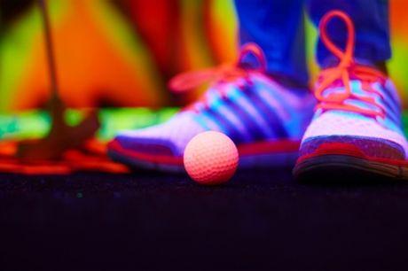 Glow-in-the-dark minigolf voor max. 10 personen bij Coronel Events in Huizen