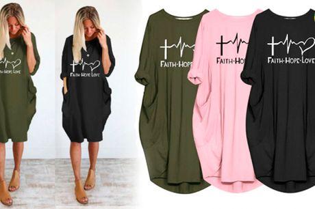Afslappet og behagelig T-shirt kjole med trekvartærmer