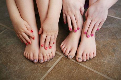 """Pose de vernis semi-permanent avec option beauté des mains ou pieds ou beauté des mains """"Baby Boomer"""" à Royal Beauté"""