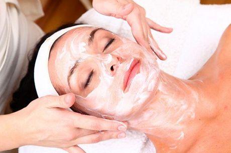 50 minutters massage og ansigtsbehandling Wellness massagen får dig til at slappe fuldstændig af, skaber ro i sindet og får dig til at tage en pause fra hverdagen. Massagen kombineres med en klassisk facial treatment, hvor din hud plejes med økologiske og